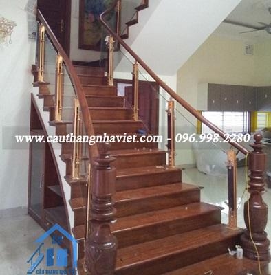 Cầu thang kính gỗ - Thi công nhanh, giá tận xưởng