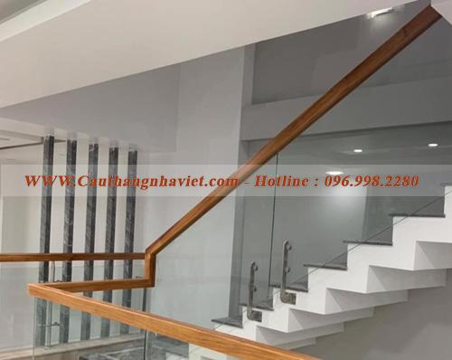 Báo giá cầu thang kính tại Hưng Yên - Đơn vị thi công chất lượng