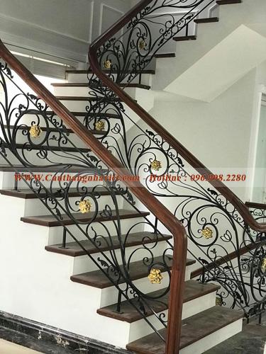 dịch vụ thi công cầu thang sắt tại Phú Thọ