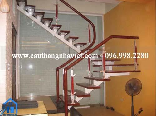 Cầu thang xương cá- cầu thang xương sắt cho nhà nhỏ