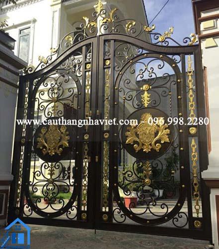 55 Mẫu Cổng sắt nghệ thuật - cổng sắt mỹ thuật đẹp cho biệt thự sang trọng