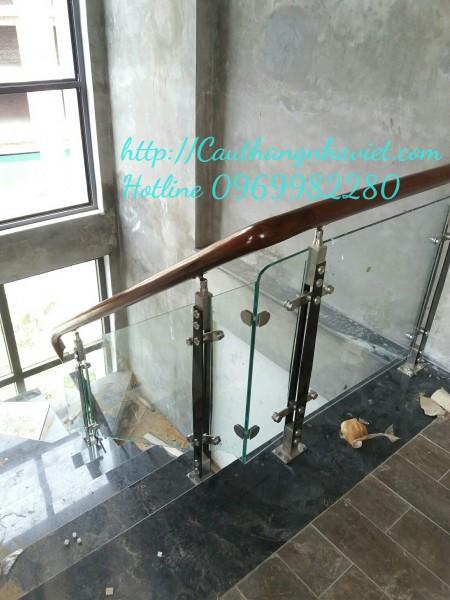 Cầu thang kính K12