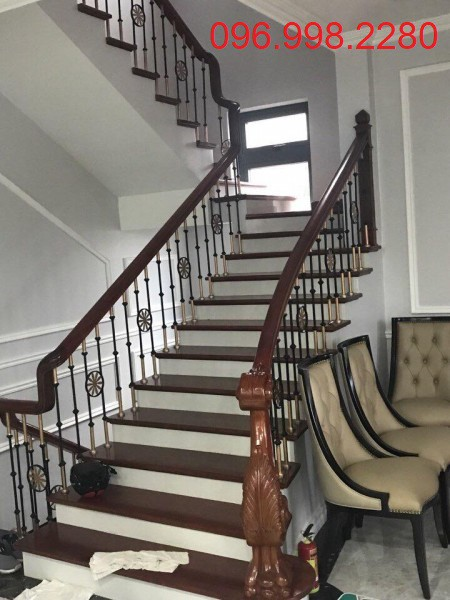 Cầu thang sắt mỹ thuật đẹp giá rẻ
