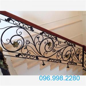 Cầu thang sắt mỹ thuật đẹp SMT06