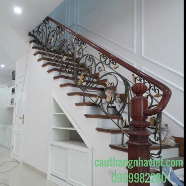 Cầu thang sắt mỹ thuật  cao cấp SMT-09