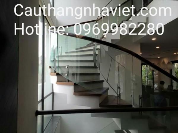Cầu thang kính K02