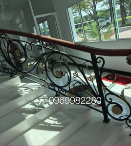 Cầu thang sắt nghệ thuật SNT11