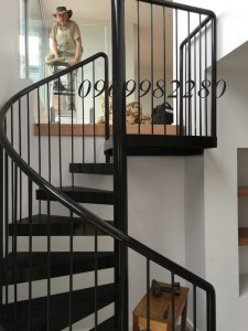 Cầu thang xoáy S06