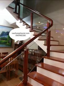 Cầu thang kính K-09