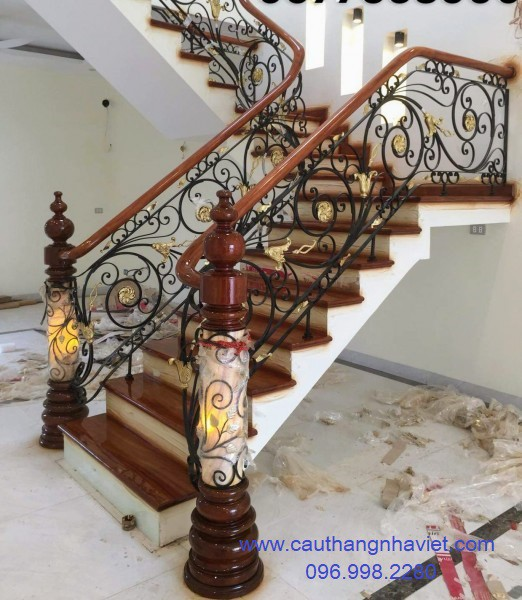 Cầu thang sắt nghệ thuật SNT20